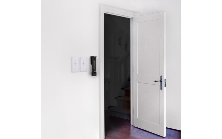 Olight Seeker 2 Pro (3xCREE XP-L HD, 3200лм, 250м, 21700) белый свет (+ аккум. и зарядное у-во)