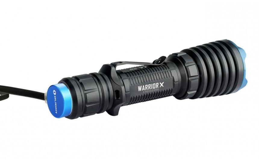 Комплект охотника Olight Warrior X (CREE XHP 35 Hi, 2000лм, 560м, 18650) теплый свет (+ аккум и ЗУ)