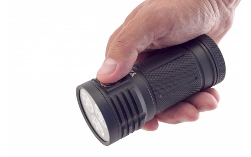 Яркий луч G180 Gryphon (9 x XP-G2 NW, ANSI 3200 лм, 18650)